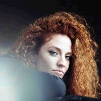 Jess Glynne at Newmarket Racecourse