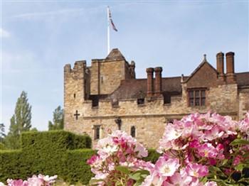 A Tudor house & garden
