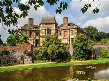 Eltham Palace and Thames Cruise