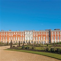 Stately Homes and a Royal Palace