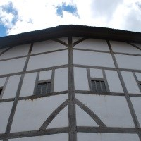 Globe Theatre, Thames River Cruise & lunch